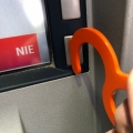 bezdotykowo-bankomat
