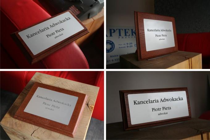Tabliczki informacyjne na drzwi