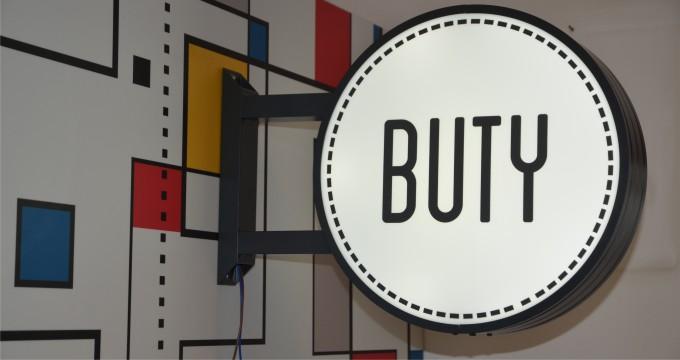 kaseton buty 02