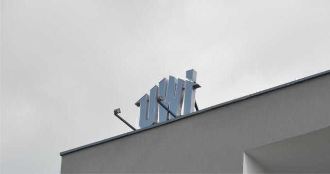 litery przestrzenne na budynek UWI_02