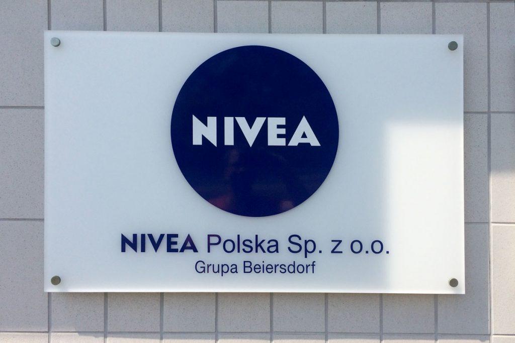 Tablica z Plexi Nivea Poznań