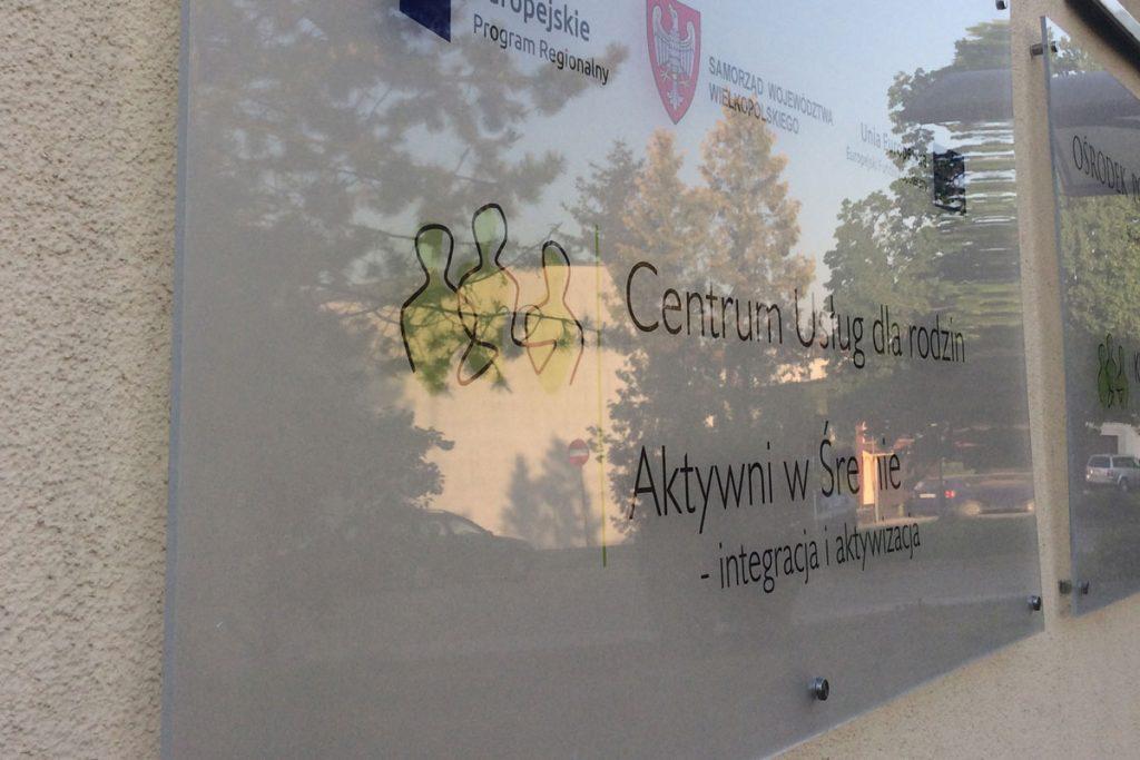 Tablica na dystansach Poznań